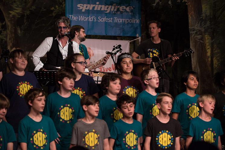 Charlies Sexton and the Barton Hills Choir